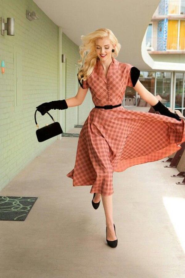 Phong cách thời trang vintage với đầm có cổ