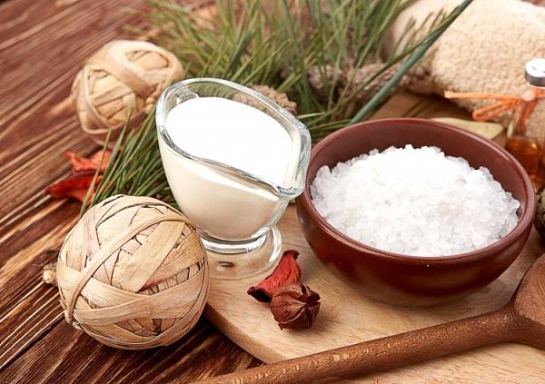 Phương pháp tẩy da chết bằng muối và sữa tươi