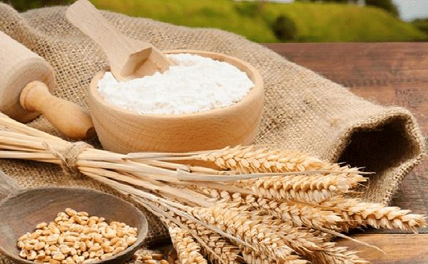 Vì sao nên trị mụn bằng cám gạo?