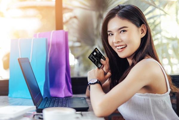 Nghĩ thẻ tín dụng là dùng miễn phí