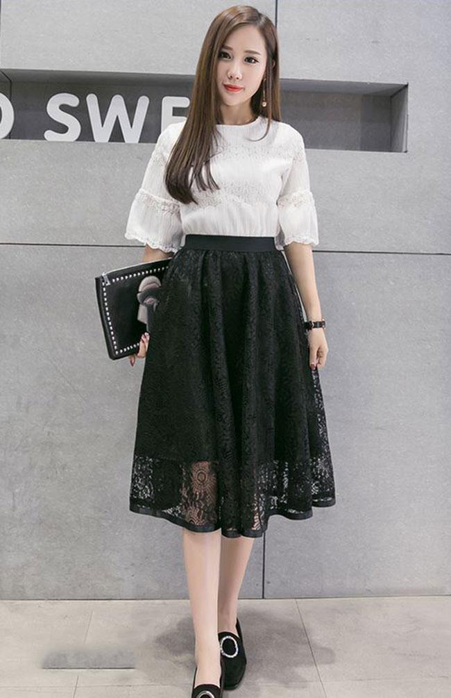 Mix chân váy dài với áo kiểu