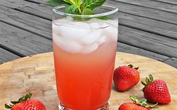 thực đơn giảm cân bằng nước ép trái cây dâu tây