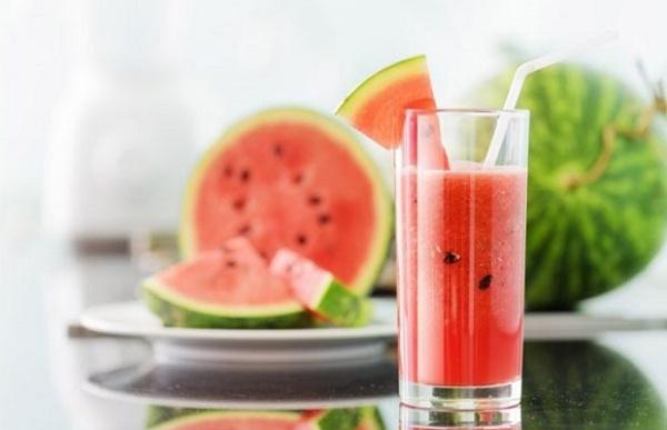thực đơn giảm cân bằng nước ép trái cây dưa hấu